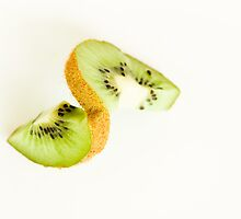 Kiwi with a Twist by Anaa