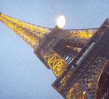 Eiffel Tower by kelzere