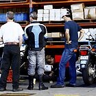 How to change a rear tyre ... by Ell-on-Wheels