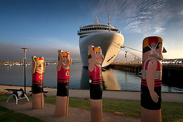 Bollards and Silver Spirit - Geelong by Hans Kawitzki