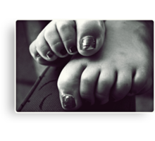 turned heads, curled toes. Canvas Print