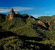 Belougery Spire, Warrumbungles, NSW. by Andy Newman