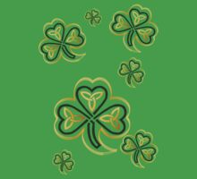 Bunch of Gold and Green Shamrocks by Lotacats