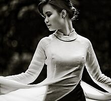 Ao Dai dance by Thomas Jeppesen