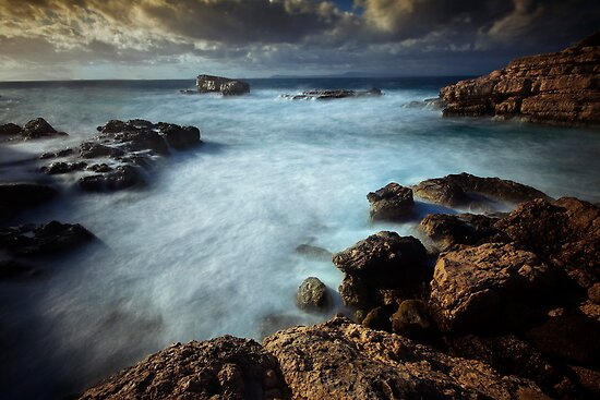 Bubbling sea by Shaun Whiteman
