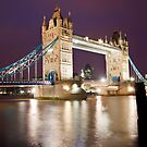 Tower Bridge at night by Shaun Whiteman