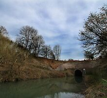 Bruce Tunnel - West End by Samantha Higgs