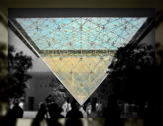 Under the Glass Pyramid  by rocperk