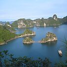 Halong Bay by machka