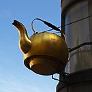 Tea Pot by Lee d'Entremont