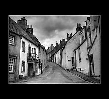 Tanhouse Brae, Culross by Gail  Galbraith