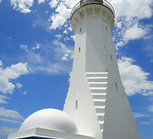The Green Cape Lighthouse by Samantha  Goode