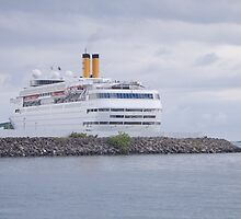 cruise ship by rajeshbac