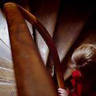 la fille en rouge de l'escalier parisien by telecaster64
