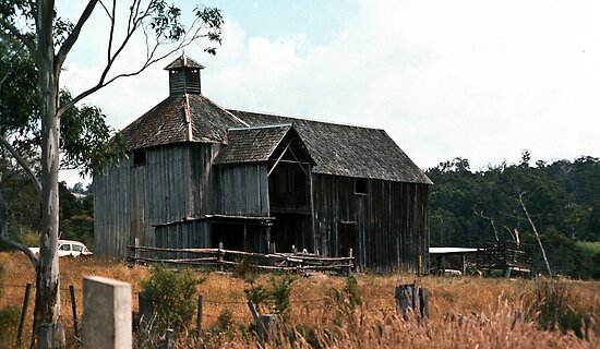 197801200002 Oast House Ellendale by Fred Mitchell