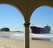 Pasha Bulker aground at Nobbys by DashTravels