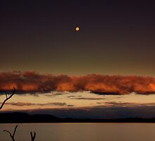 moonlight,lake fyans by fazza