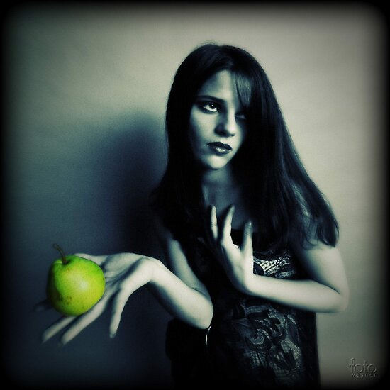 Eve and pears by fotowagner