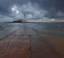 St Mary's Lighthouse II by Doug Dawson