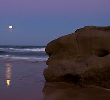 moon rise by Peter Curran