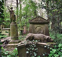 Highgate Cemetry 3 by Adri  Padmos
