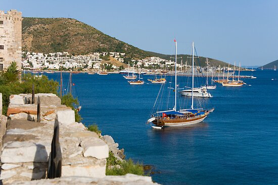 landscape  sea and yacht by Medeu