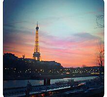 Souvenir du Paris - Eiffel by Alabastra