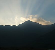 Sunrising at Snowdon. by mattc91