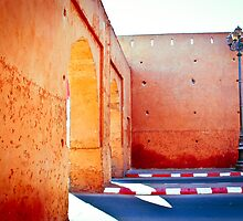 Murs rouges by Richard Pitman