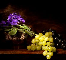 Violet and Grapes still life by Ondřej Smolka