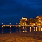 Il porto di Castellammare del Golfo di sera by Andrea Rapisarda