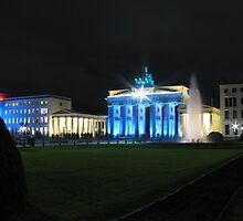 Brandenburg Gate at night by Andre090904