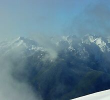 Hurricane Ridge Clouds by mrscaer