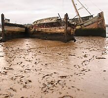 River Orwell wrecks by Christopher Cullen