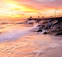 St Kilda Pier by lee Henley